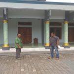 TKP Curanmor di depan Masjid Darussolihin Desa Turusgede, Rembang.