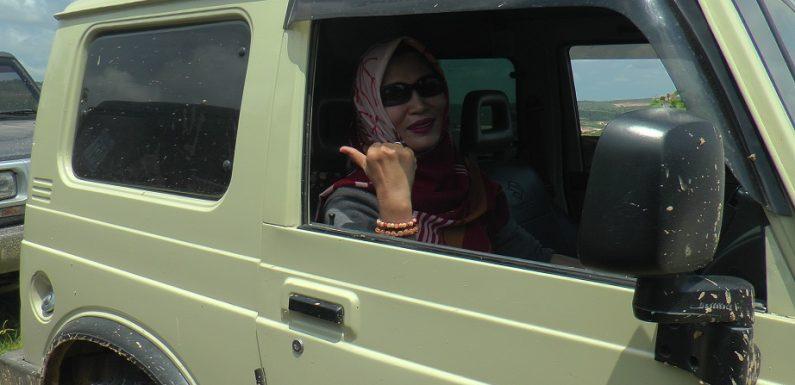 Offroader Wanita Rembang, Ceritakan Kenapa Sampai Ketagihan Naik Jeep