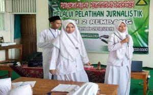 Suasana pelatihan jurnalistik di MAN 2 Rembang (MAN Lasem), Rabu siang (27/02).