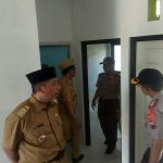 Bupati dan Wakil Bupati Rembang mendampingi Kapolda Jawa Tengah mengecek kondisi perumahan di Kartika Bhayangkara Residence, usai peresmian, Senin (11/02).