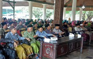 Ratusan guru madrasah dan TPQ berkumpul di Pendopo Museum Kartini Rembang, Kamis (28/03).