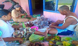 Aktivitas pembuatan terasi di Dusun Matalan, Desa Purworejo, Kecamatan Kaliori.
