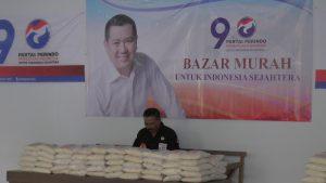 Partai Perindo Kabupaten Rembang menggelar bazar beras murah, Jum'at sore (12/04).