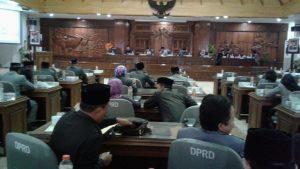 Suasana sidang paripurna di gedung DPRD Rembang, belum lama ini.