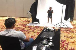 Dwi Ani Retno Wulan saat mengikuti sesi pemotretan oleh penyelenggara One Championship di Manila, Filiphina.