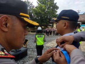 Apel gelar pasukan Operasi Keselamatan Lalu Lintas Candi di halaman Mapolres Rembang, Senin (29/04).