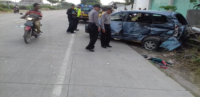 Mobil Sarat Penumpang Dihantam Truk, Polisi Ungkap Identitas 2 Korban Tewas Dan 3 Luka
