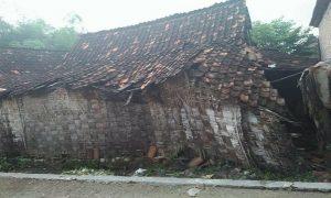 Rumah tidak layak huni di Kabupaten Rembang.