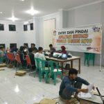 Suasana entri data ke Situng KPU RI, di Sekretariat KPU Kabupaten Rembang.