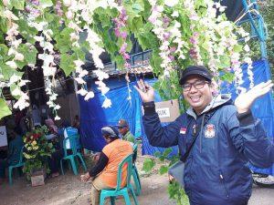 TPS ala resepsi pernikahan di Desa Meteseh, Kec. Kaliori. (Gambar atas) TPS mengusung konsep perpustakaan di Desa Pohlandak, Kecamatan Pancur.