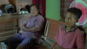 Ayah dan kakaknya Zakiudin di Dusun Bulung, Desa Samaran, Kecamatan Pamotan.