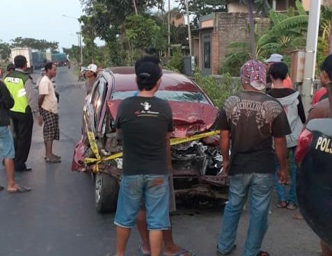 Mobil Rombongan Keluarga Dihantam Tronton, Polisi Ungkap Korban tewas