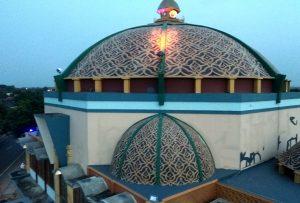 Masjid An-Nur di Desa Kebloran, Kecamatan Kragan dianggap salah satu Masjid dengan kubah paling besar di Kab. Rembang.