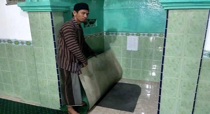 Ada Yang Tersembunyi Di Bawah Tempat Imam Ini, Bagian Sejarah Masjid Tiban