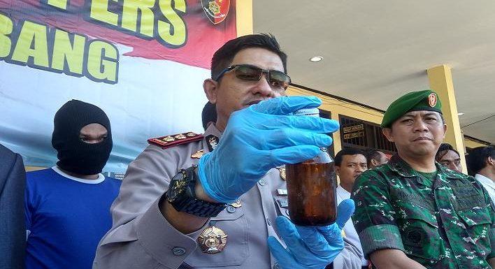 Botol-Botol Kecil Minuman Berenergi Diisi Arak, Polisi Menduga Dua Kemungkinan