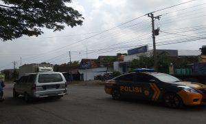 Mobil Polisi di Rembang berpatroli.