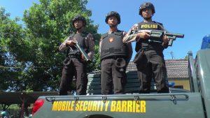 Polisi di Rembang bersiap-siap akan menggelar patroli.