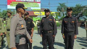 Polisi menggelar apel kesiapsiagaan menghadapi aksi demo tanggal 22 Mei 2019, di halaman Mapolres Rembang, Selasa (21/05).