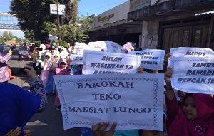 Pawai jelang romadon (Pajero), berlangsung di Lasem, Jum'at pagi (03/05).