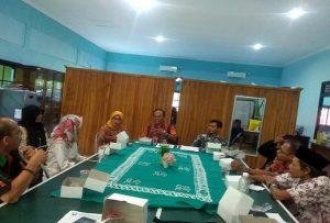 Diskusi pelaku usaha dan pemerhati radio di Kantor Dinas Komunikasi dan Informatika Kabupaten Rembang, Selasa (02/07).