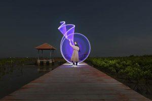 Hasil bidikan pecinta fotografi malam hari di Jembatan Merah Hutan Bakau Pasar Banggi, Rembang.
