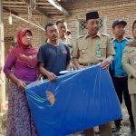Bupati Rembang, Abdul Hafidz mengunjungi korban kebakaran di Dusun Kedungsapen, Senin (15/07).