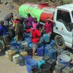Warga Desa Pranti, Kecamatan Sulang mendapatkan bantuan air bersih, Minggu (14/07).