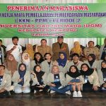 Mahasiswa UGM diterima Pemkab Rembang, sebelum diterjunkan menuju tiga desa.