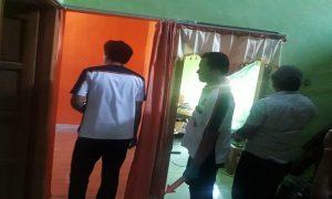 Tim identifikasi Satreskrim Polres Rembang menggelar olah TKP kasus pencurian di Genengrejo, Leteh, Rabu (09 Juli 2019).