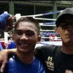 Moment ketika Muhammad Rojul bersama sang pelatih, Sena Kurnia Putra (bertopi).