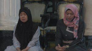 Khusyuk berdo'a untuk Kiai Maimoen Zubair. (Foto atas) Selama 7 malam, pendopo Museum Kartini akan digunakan untuk mendo'akan Alm. Kiai Maimoen Zubair.