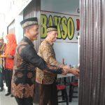Bupati Rembang, Abdul Hafidz saat meresmikan kawasan pertokoan di Kecamatan Kaliori, beberapa waktu lalu.