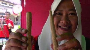 Aneka kerajinan terbuat dari olahan janggel atau bonggol jagung, hasil karya warga Desa Sendangmulyo, Kecamatan Bulu.