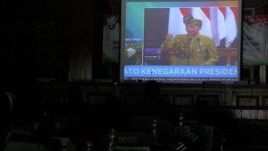 Suasana gedung DPRD Rembang, ketika tamu undangan menyaksikan pidato kenegaraan Presiden RI, Joko Widodo, Jum'at (16/08).