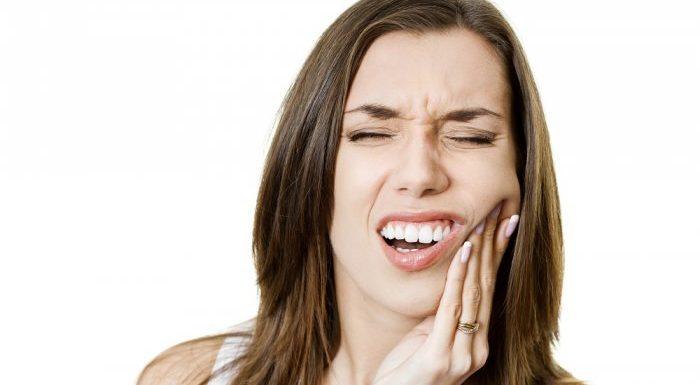 Cabut Gigi Bagian Atas Bisa Mengakibatkan Kebutaan, Hoax Atau Fakta ?