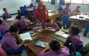 Suasana pembelajaran kelas VII di SMP N II Rembang.