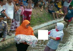Temuan jasad bayi di saluran irigasi Desa Mrayun, Kecamatan Sale, 28/06 lalu.
