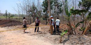 Aparat kepolisian, belum lama ini memasang police line di lahan yang memicu keresahan warga.