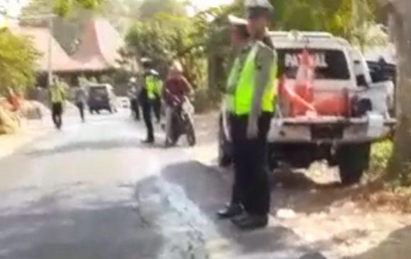 Warga Dan Polisi Beri Penjelasan, Terkait Operasi Lalu Lintas Digeruduk