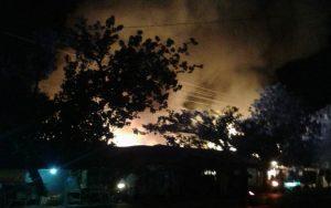 Pasar Sluke terbakar, Jum'at dini hari.