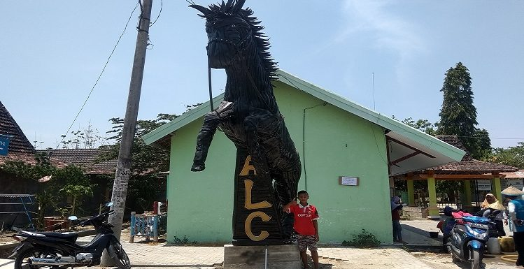 Uniknya Patung Kuda Berbahan Ban Bekas, Warga Ungkap Kendala Paling Sulit