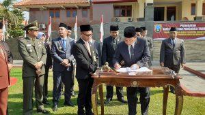 Bupati Rembang, Abdul Hafidz, Selasa (01/10) menandatangani NPHD untuk anggaran Pilkada tahun 2020.