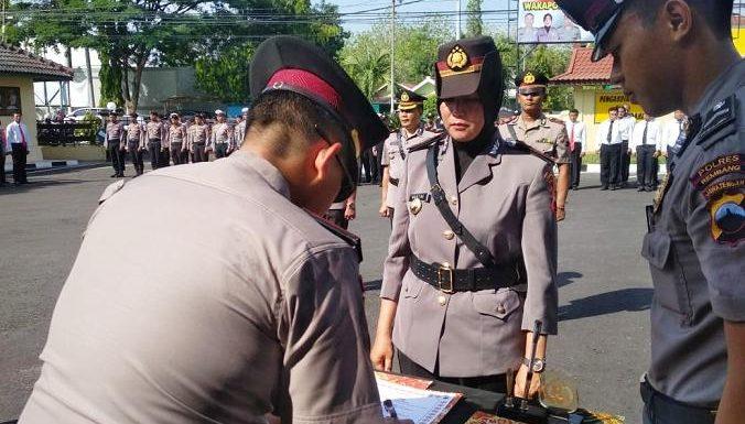 Balik Kampung, Kasat Lantas Polres Rembang Diduduki Seorang Wanita