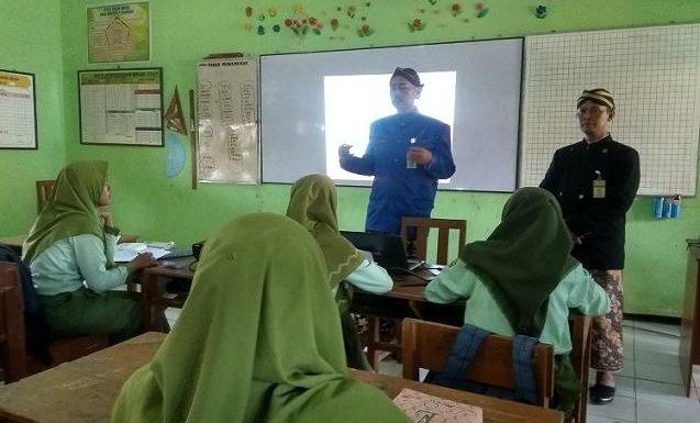 Wajib Kenakan Pakaian Adat Jateng & Nasional, Guru Diminta Pengadaan Sendiri