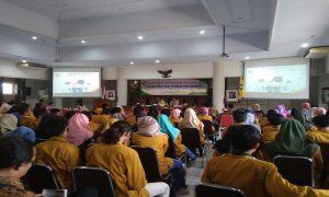 """Suasana kuliah umum """"Mahasiswa Sebagai Agen Informasi Pajak"""" di lantai IV Gedung Setda Rembang, Selasa (12/11)."""