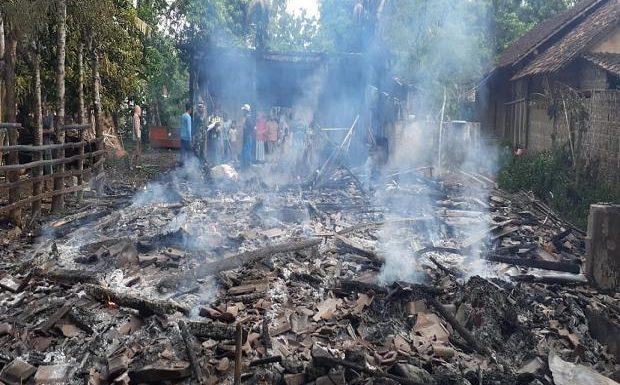 Lupa Matikan Tungku, Rumah Ludes Terbakar