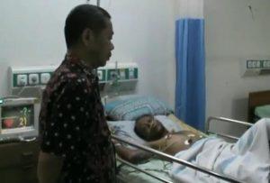 Korban Ivan Agus Setiyarno masih menjalani perawatan di rumah sakit dr. R. Soetrasno Rembang, Selasa (10/12).