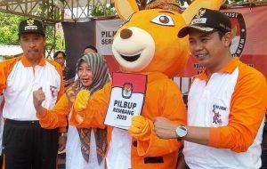 Bupati dan Wakil Bupati Rembang bersama dengan Maskot Pilkada. Tahun 2020 merupakan tahun politik bagi Kab. Rembang.