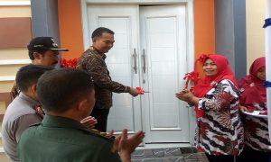 Peresmian bangunan Polindes di Desa Pandean, Rembang, Minggu (01/12).