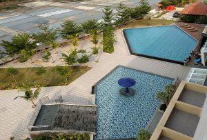 Kolam renang di Pollos Hotel & Gallery Rembang, sementara ini tidak dibuka untuk umum.